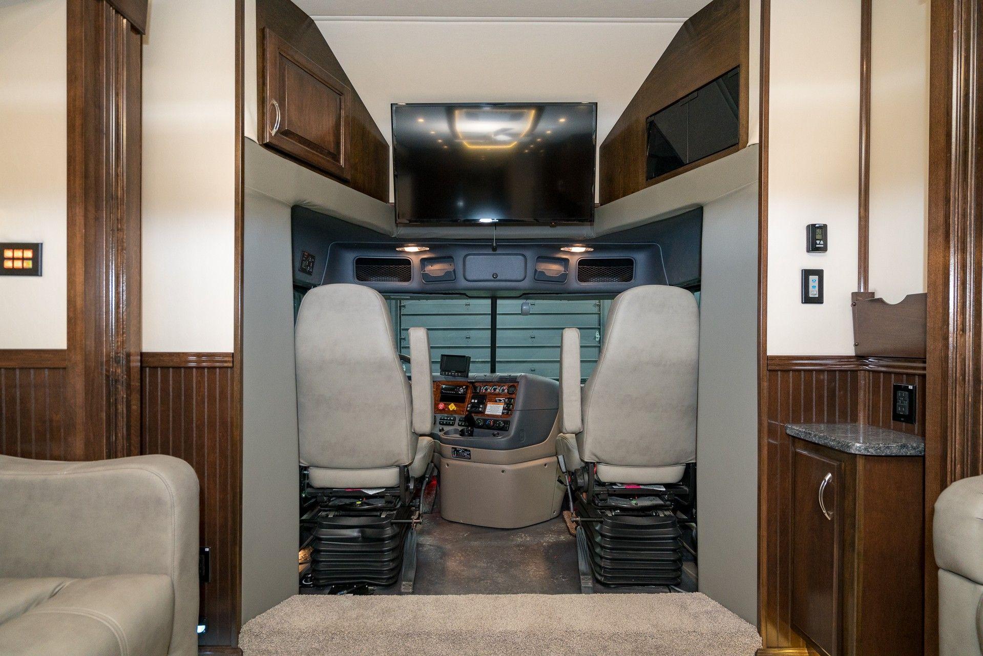 The Holistic Green Garden: 2018 Showhauler 45ft Super C Freightliner
