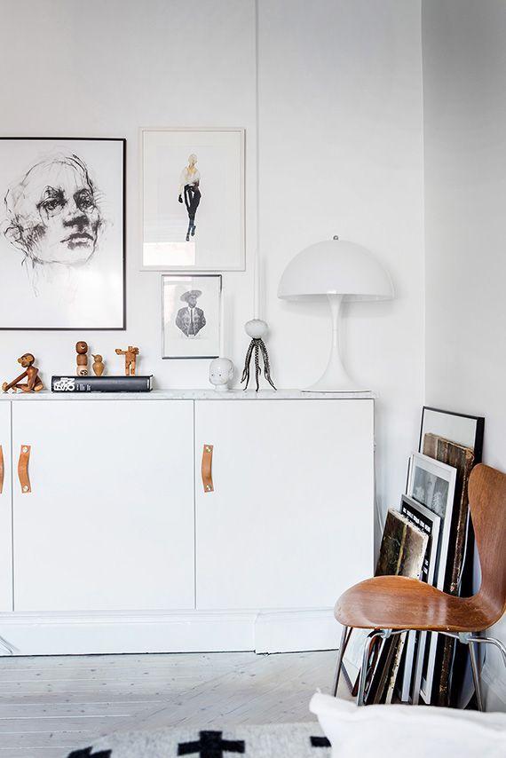 Receiving Room Interior Design: Monochromatic Shelfies Inspiration