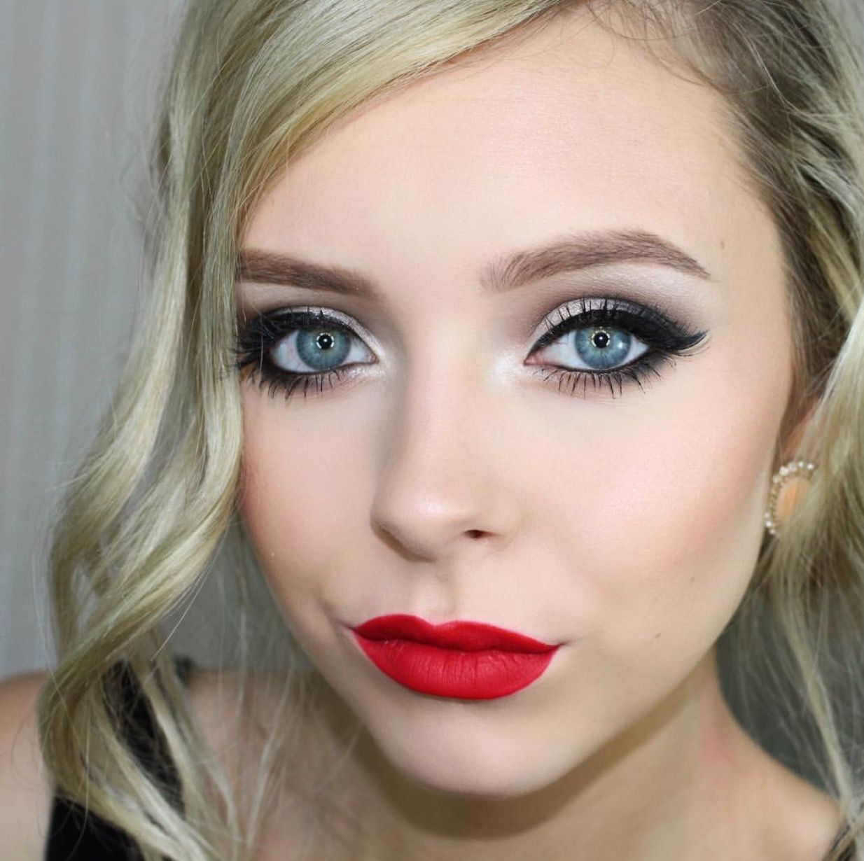 Makeup by cosmobyhaley Red lipstick makeup blonde