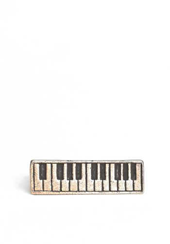 Piano Keys, by Threadsence. Two fingered ring.