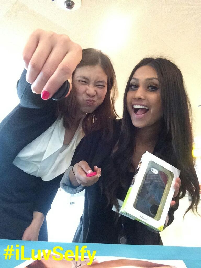 Girls just want to have fun! At Hudson News JFK testing out a Selfy! Hudson Booksellers #HudsonSelfie #iLuvSelfy