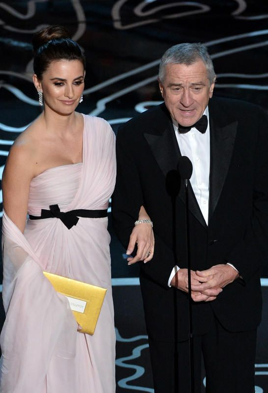 Penelope Cruz And Robert De Niro Speak Onstage During The 86th Annual Academy Awards At Dolby Theatre In Hollywood On March 2 2014