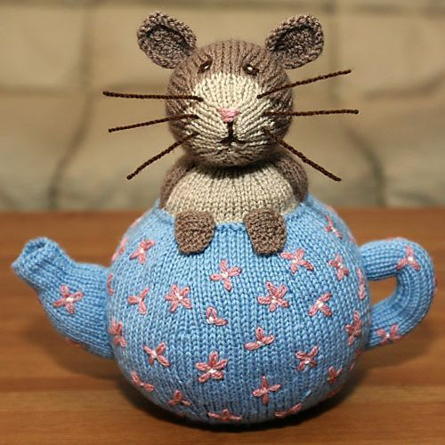 Ravelry: Dormouse in Teapot Toy pattern by Alan Dart: | Muizenhuis ...
