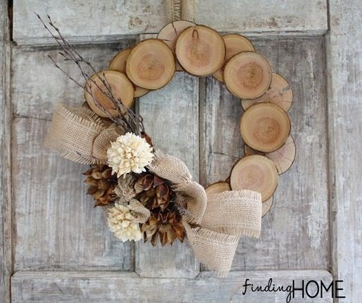 Wood slice wreath - so cute!