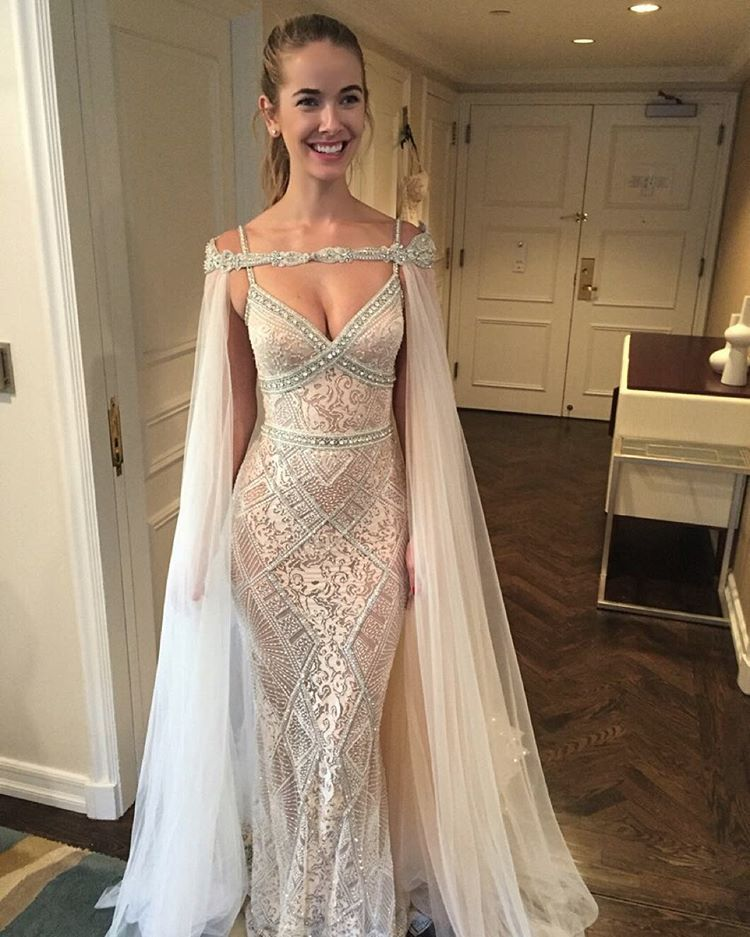 Exquisite Mermaid Wedding Dress - V Neck Long Lace Beaded with ... e35171036ad2