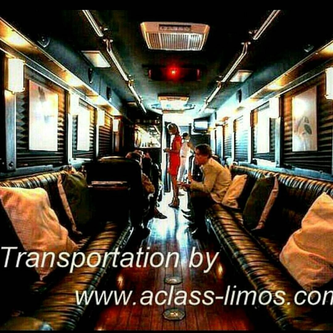 Corporate Limo Bus converted from party bus. #limobus #corporate #event #miami #fortlauderdale #palmbeach #wellington #whotel #southbeach #luxury #luxurylife #customerservice (at W Hotel Miami)