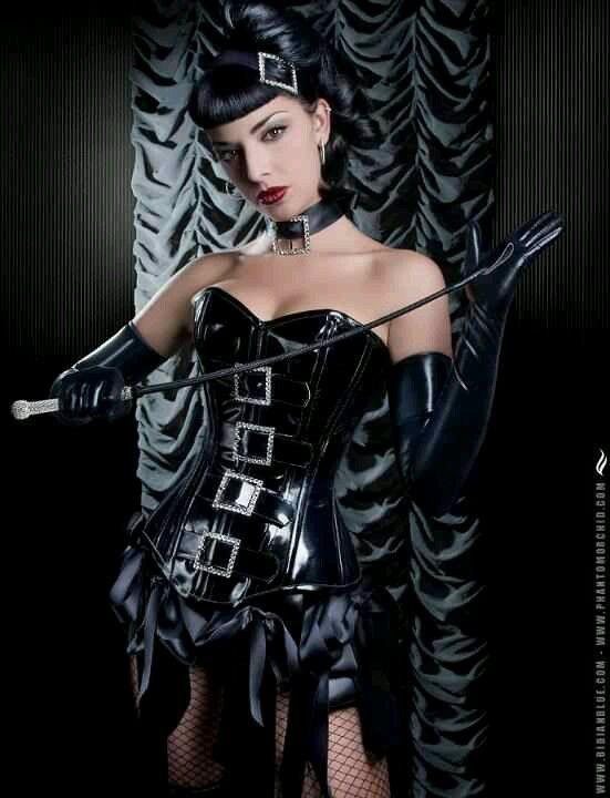 Model-Marga Goth Gothic dominatrix bdsm mistress | Rubber