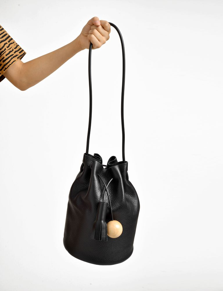 Pebble Leather Tassel Wood Bucket Bag Building Block