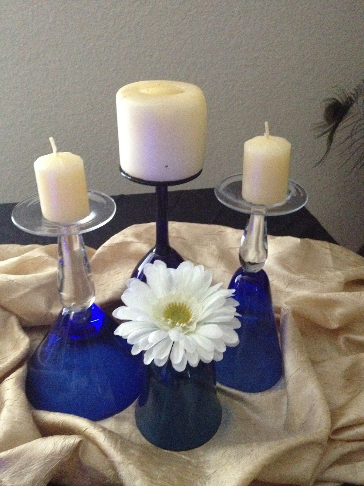 Glasses for centerpiece flowers in wine glass