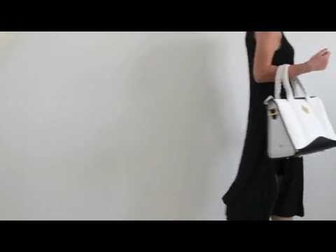 """Shopper - Jade collection by Federica Lunello  • Manici cuciti a mano  • Chiusura a zip sulla parte superiore  • Finiture in metallo dorato  •Tirazip gioiello in ottone con finitura oro   • Tracolla removibile  • 4 piedini protettivi •Tasca interna con etichetta """"Federica Lunello"""" Made in Italy in pelle Made In Italy http://federicalunello.com/it/collezioni/jade-pe-2014/shopper"""