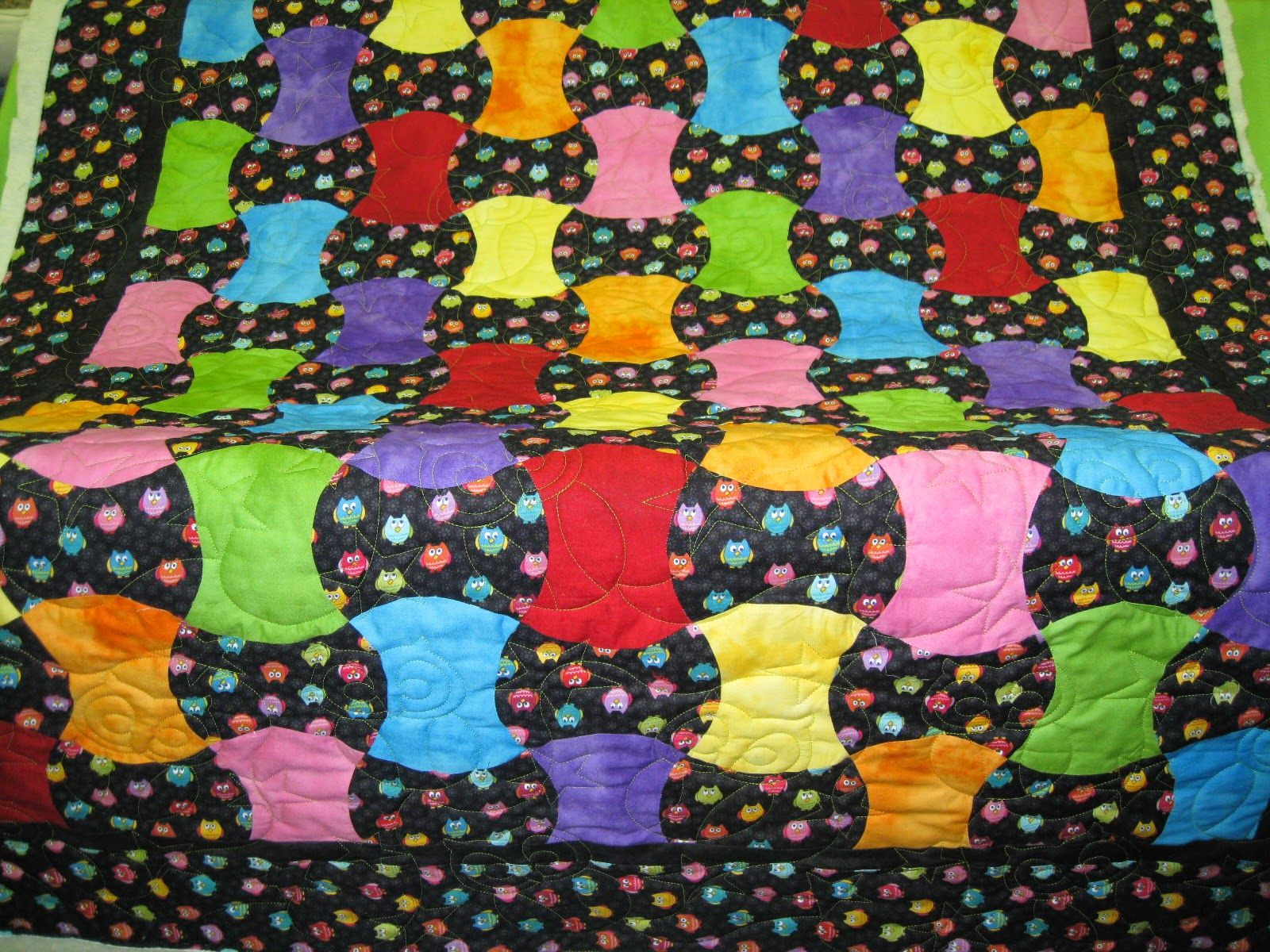 THE BLACK BACKGROUND PATTERN REALLY SETS OFF THE BRIGHT COLORS OF ... : bright colored quilt patterns - Adamdwight.com