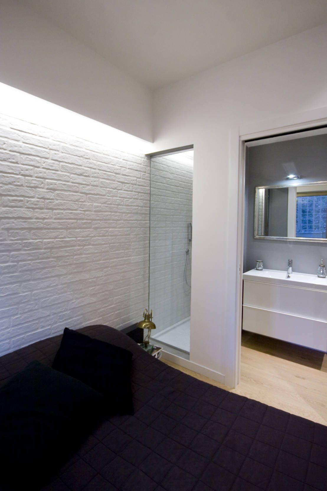 Come ricavare un bagno nella camera da letto bagno for Camera da letto interior design