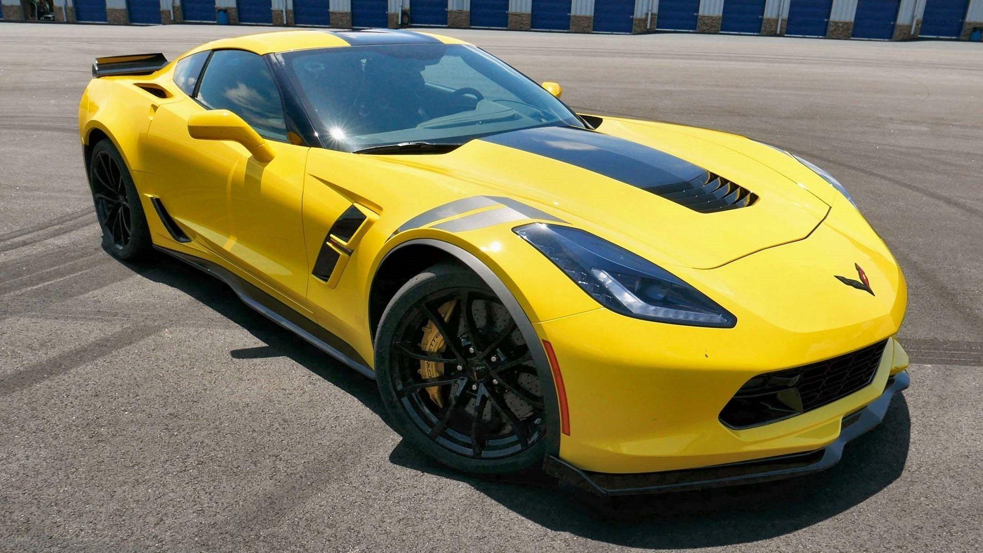 The 2017 Chevrolet Corvette Grand Sport Zr1 Z06 Review And Specs Corvette Grand Sport Chevrolet Corvette Yellow Corvette
