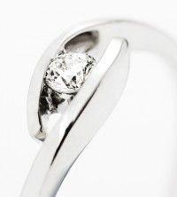 d899eeffccfe Detalle solitario de diamantes modelo JACQUELINE
