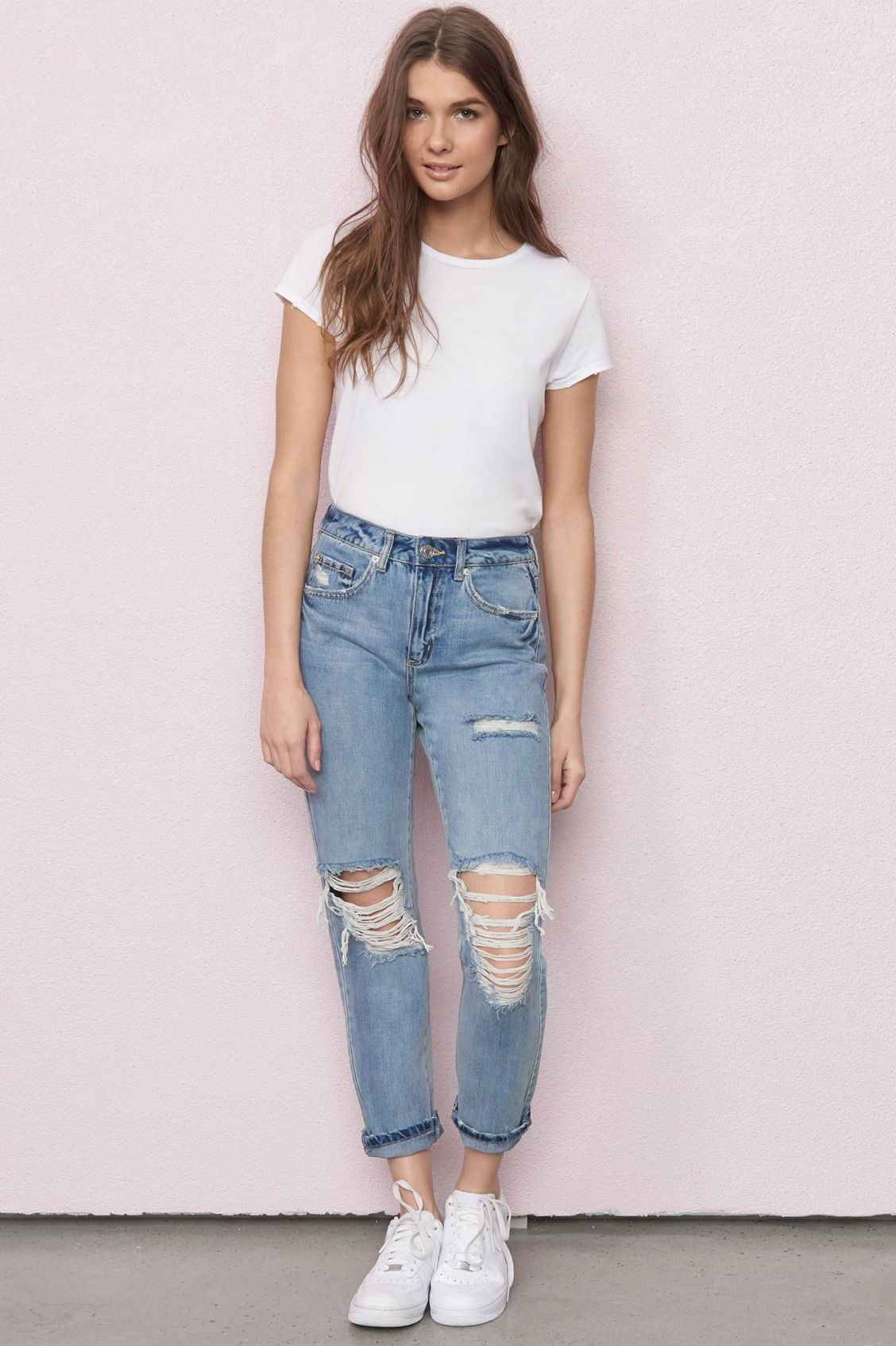 fac9bc5f Dakota Blue Mom Jean | Summer in 2019 | Ripped jeans outfit, Mom ...