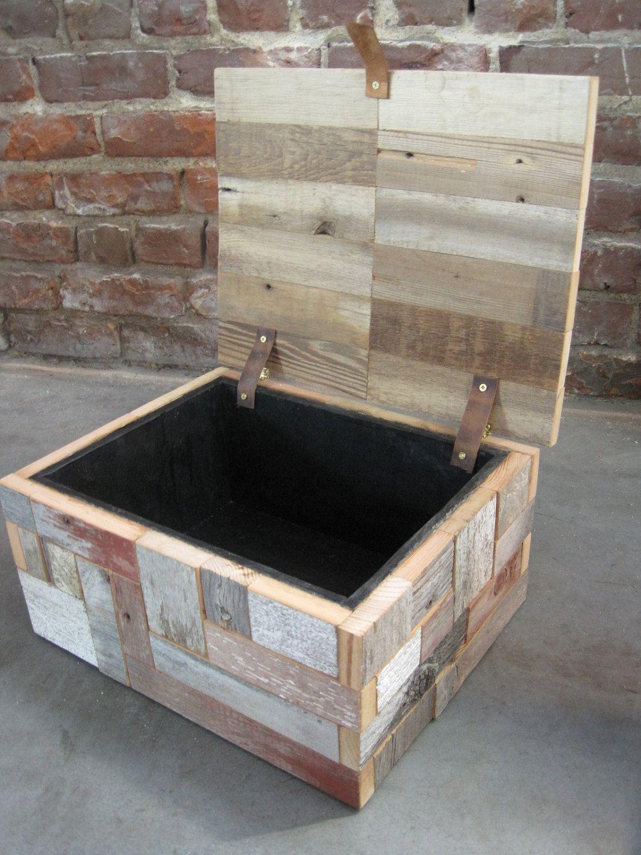 wood box / reclaimed wood box / keepsake box