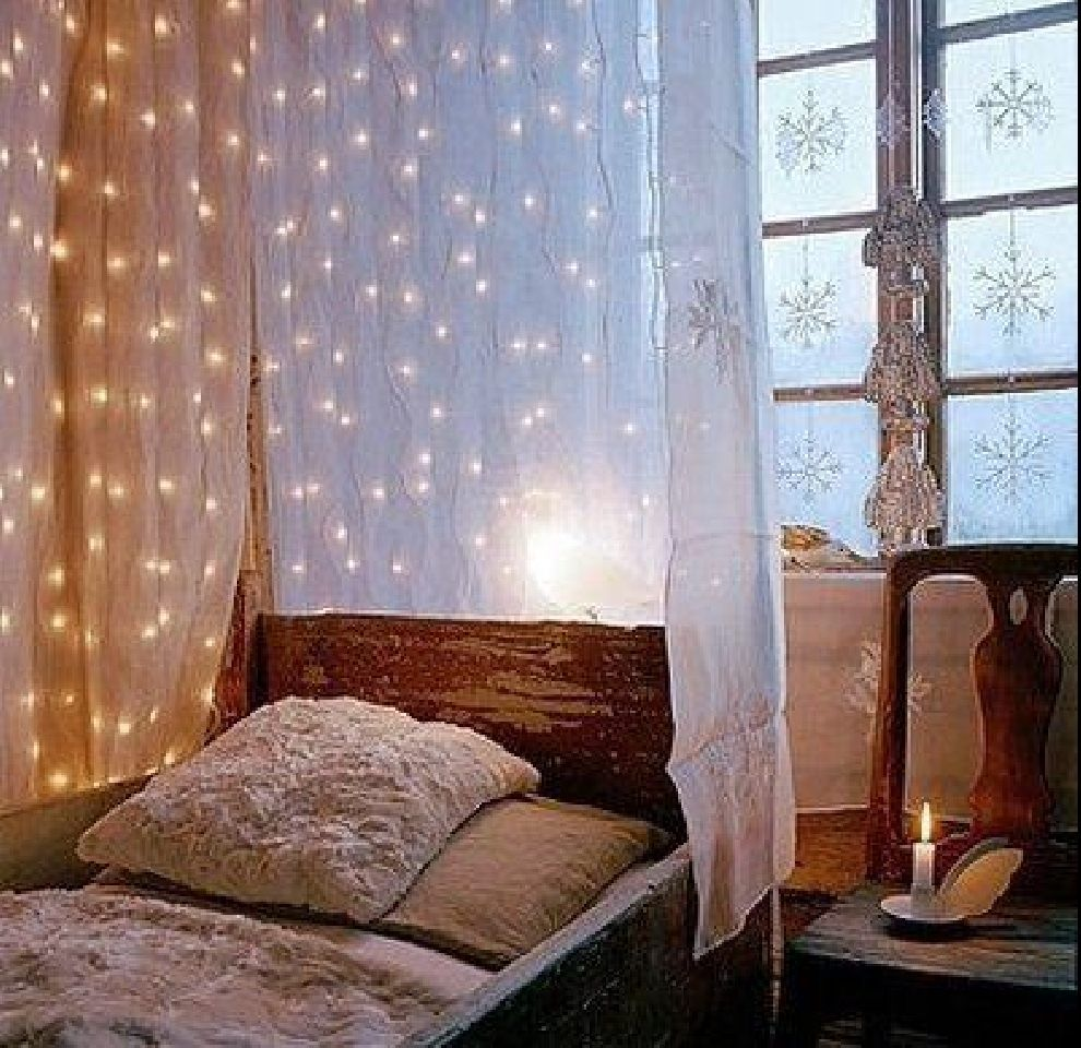 Canopy bed curtains with lights - Canopy Bed Ideas Trends 2011 Ideas Designs Creative Christmas Canopy Bed Lighting