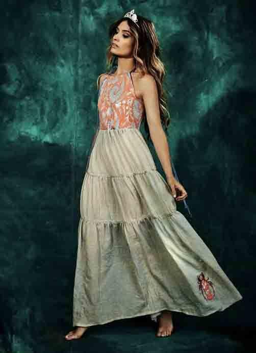 ¡Precioso  vestido Queen of the Sea de  RosseFischer disponible en la   d2e073553c44e