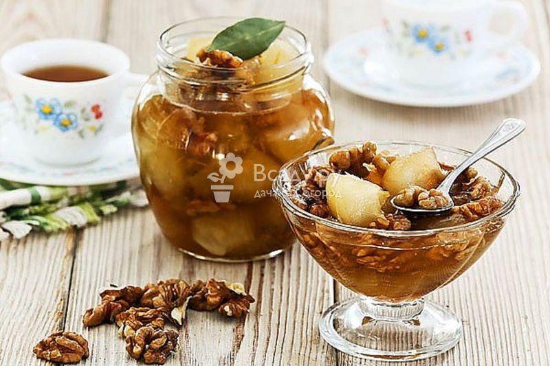 Яблочное варенье дольками с грецкими орехами в мультиварке