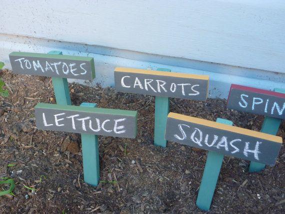 Custom Chalkboard Garden Stakes. Easy DIY   I Donu0027t Think I Would Use