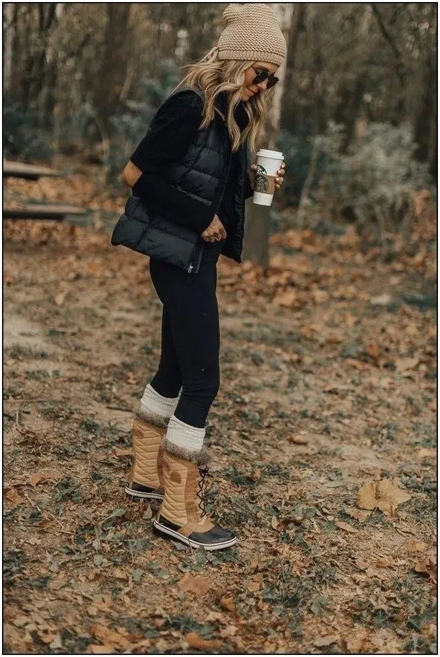 Wow ...!!! 50+ Amazing Winter Outfits Ideas You Will Fall in Love With ~ Fashion & Design #winterfashion