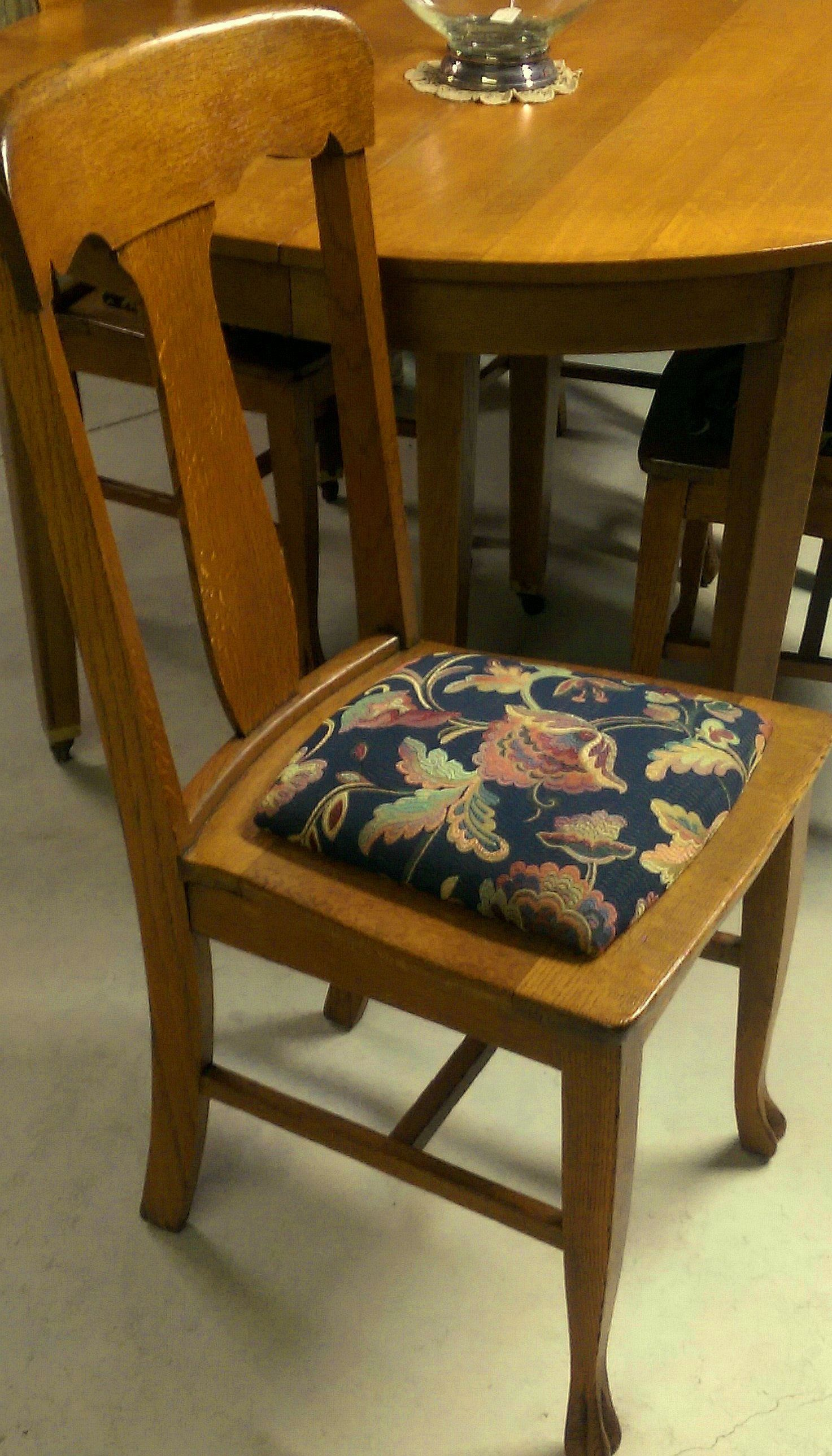 Built In Benches In Almost Anywhere Of A Home: 100+y/o Set Of 4 T-Back Solid Quartersawn Tiger Oak Chairs W/ Almost New Reupholstery Job