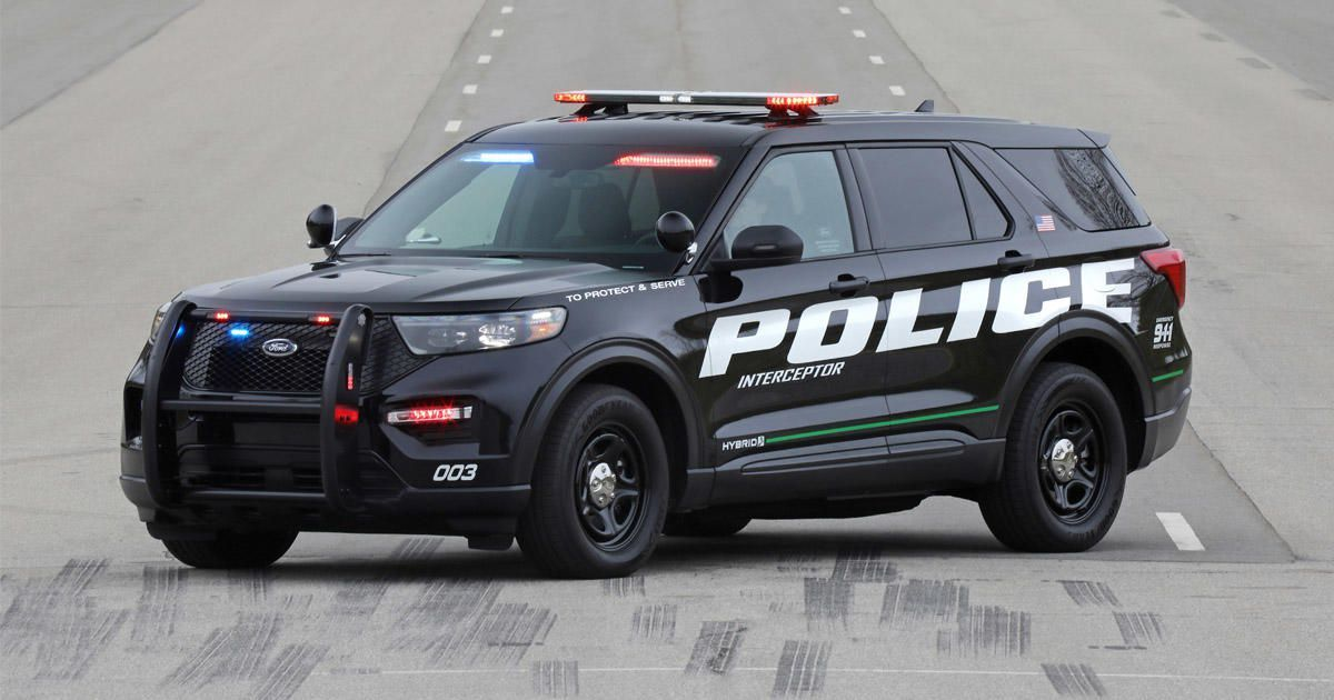 2020 Ford Police Interceptor Utility Quick Drive The Long Green Arm Of The Law Cnet Ford Police Police Cars Ford Explorer