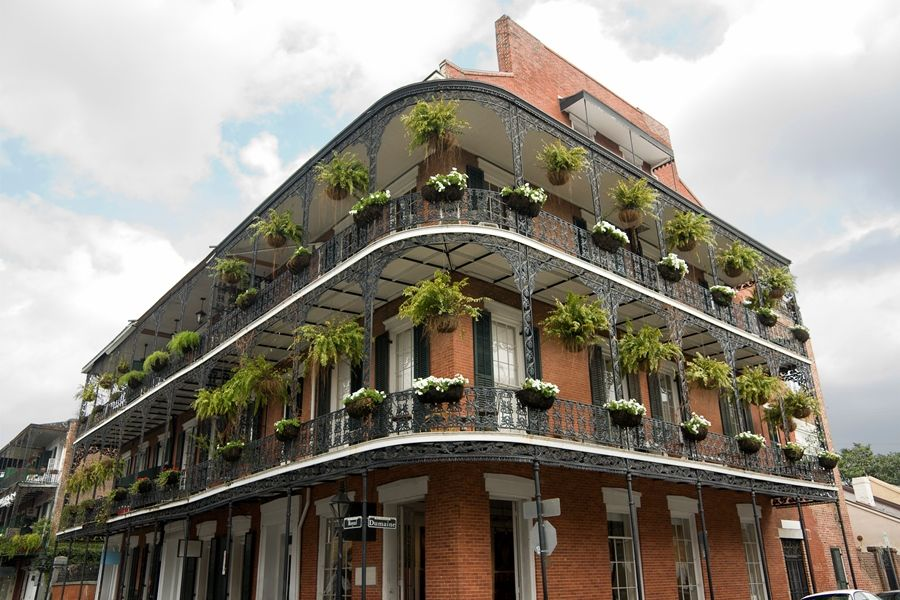 An Innkeeper's Guide to New Orleans | Balcony design, New ...