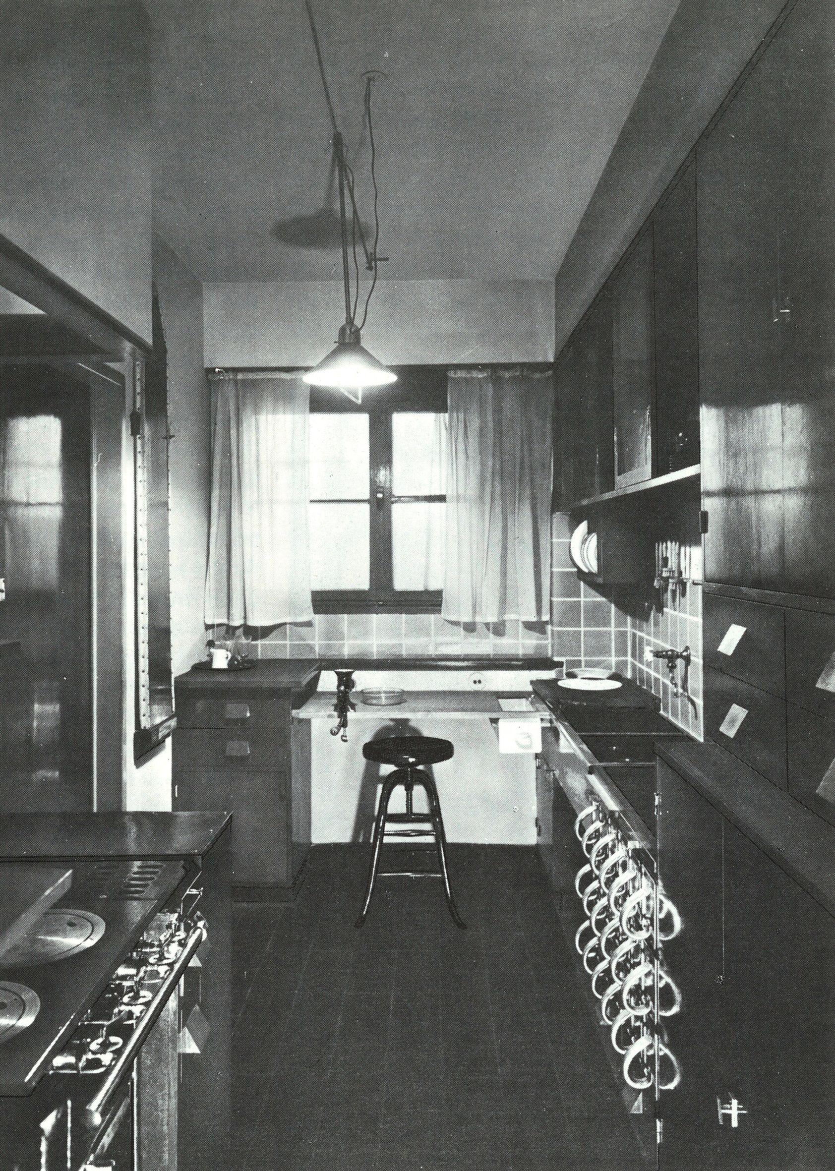 Linoleum Frankfurt household economy margarete schütte lihotzky frankfurt kitchen