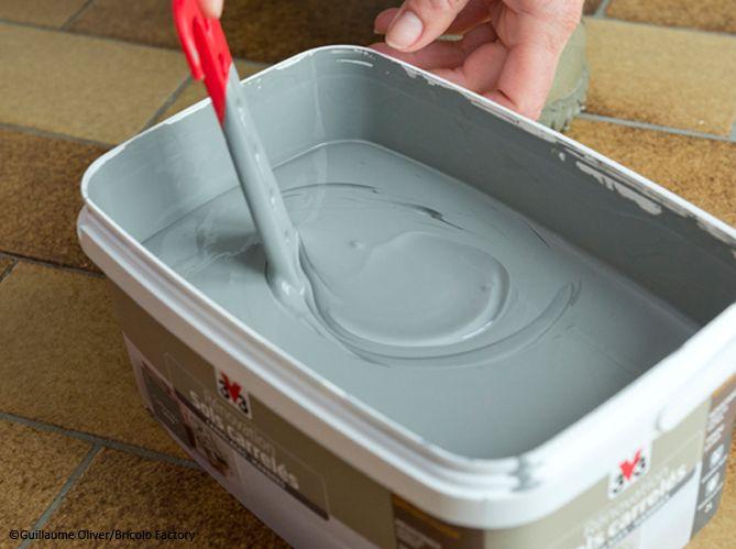 Pas-à-pas  comment peindre un sol en carrelage ? - peinture speciale carrelage sol