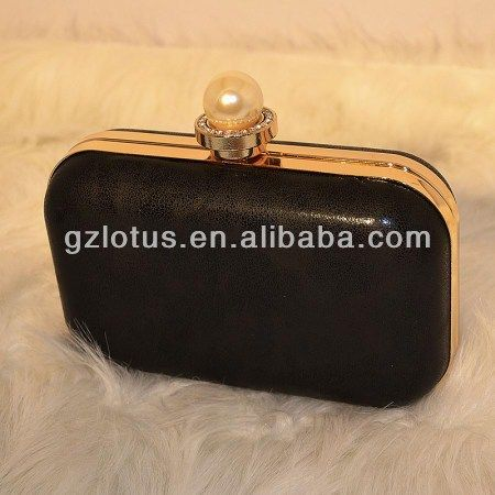 1,professional factory with cheap price.   2,MOQ:100pcs   3,many 2013 new designs   4,paypal  TT accepted   5,clutch bag