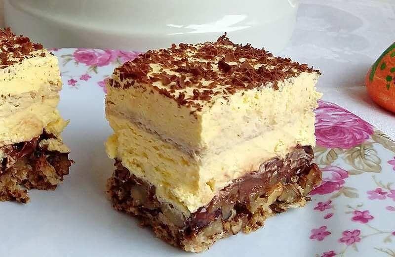 69a5dbb126c43 Predivan kolač sa orasima, eurokremom i kremom od žumanaca. Kora: 6  belanaca 6 kašika šećera 4 kašike prezle ( mrvice ) 4 kašike mlevenih oraha  1 kašika ...