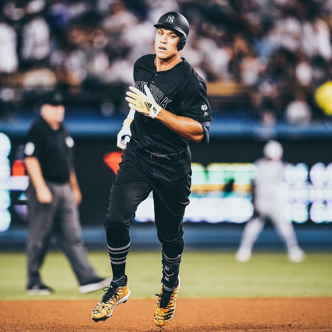 Mlb Big Fly For Big Aaron Judge With Images Judge Sports Uniforms New York Yankees