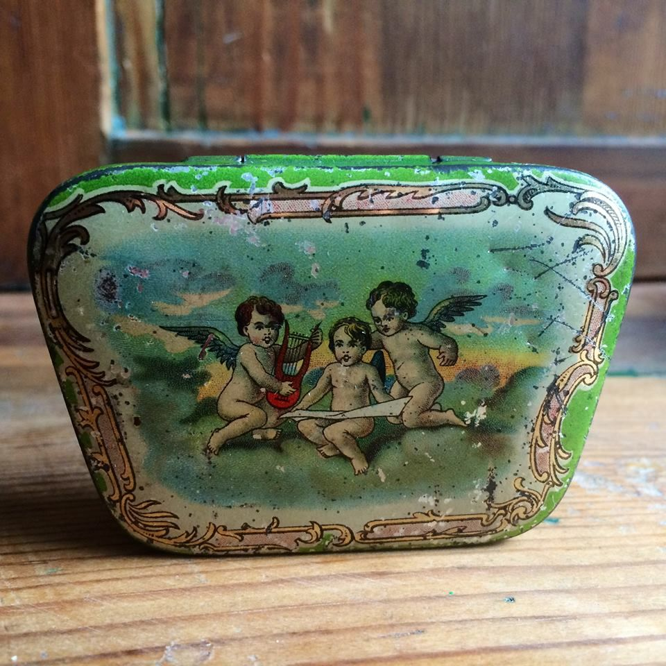 Hartwig and Vogel tin box