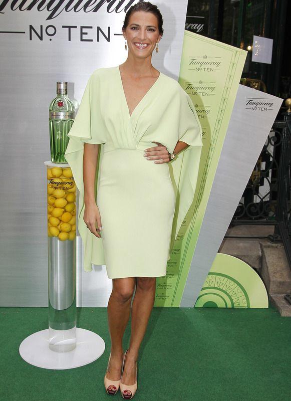 Look vestido verde corto