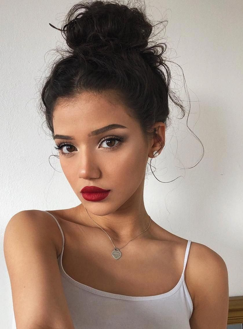 Cute + romantic everyday #makeup look, also great inspo on how to wear a  red lip and sultry eye makeup while kee… | Natural summer makeup, Hair  makeup, Daily makeup