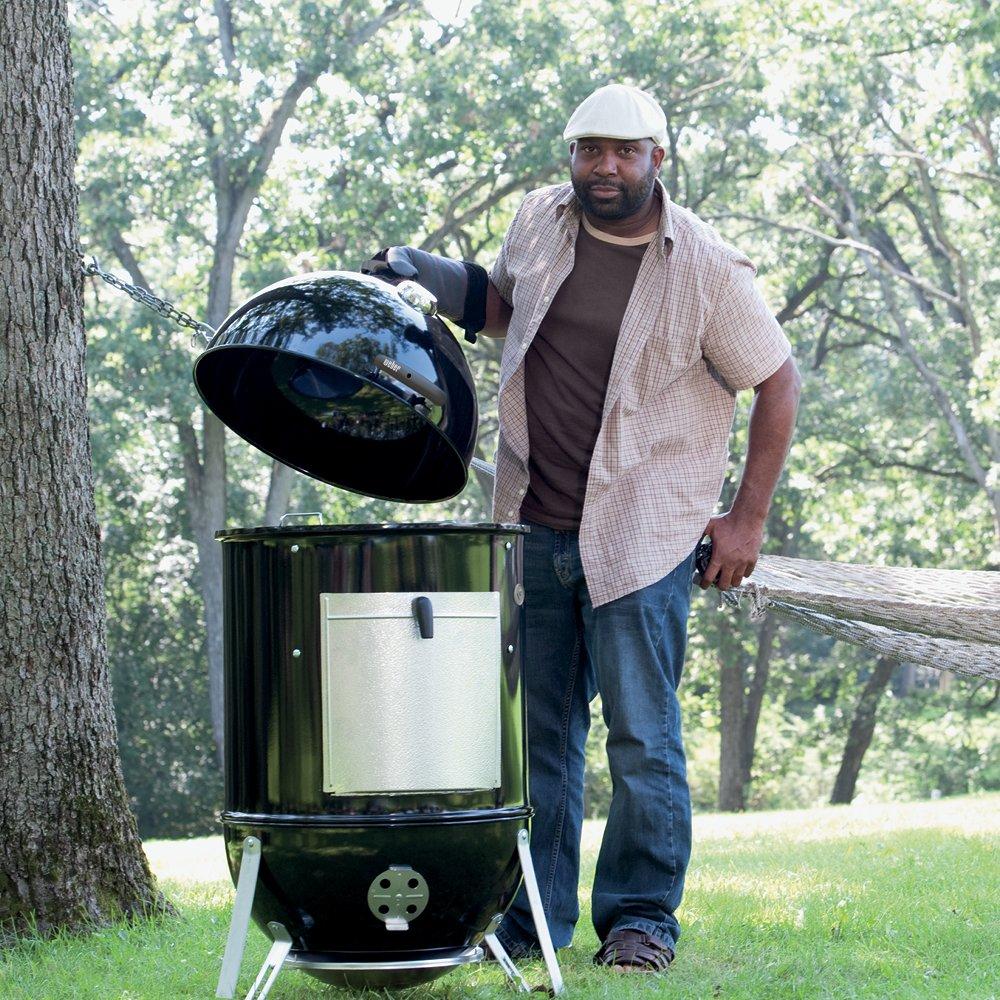 Amazon Com Weber Smokey Mountain Cooker 22 Inch Smoker Garden Outdoor Smokey Mountains Weber Smokey Mountain Charcoal Smoker
