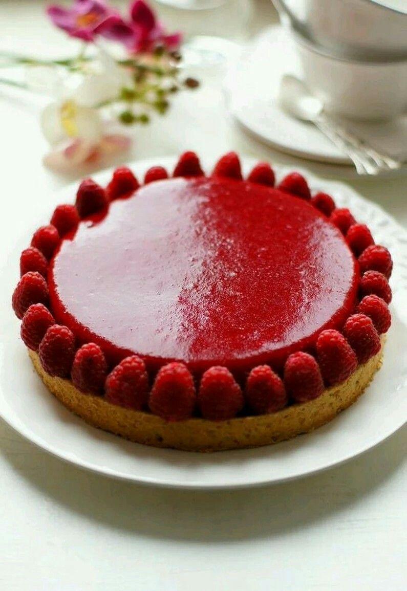 beautiful raspberry tart