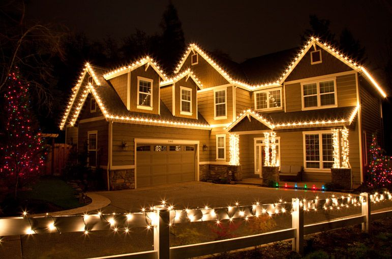 outdoor christmas lights ideas for the roof - Christmas Lights Decorations Outdoor Ideas