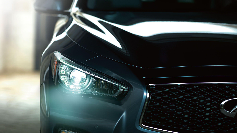 2015 Infiniti Q50 Sedan Exterior Front headlights