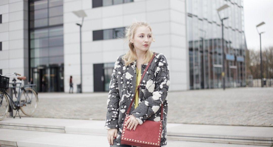 molly_bracken_grauer_mantel_fashionvernissage_outfit_cologne_2844