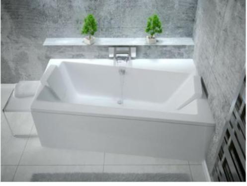 Wir Bieten Ihnen Hier Eine Badewanne An Asimetrische Badewannen