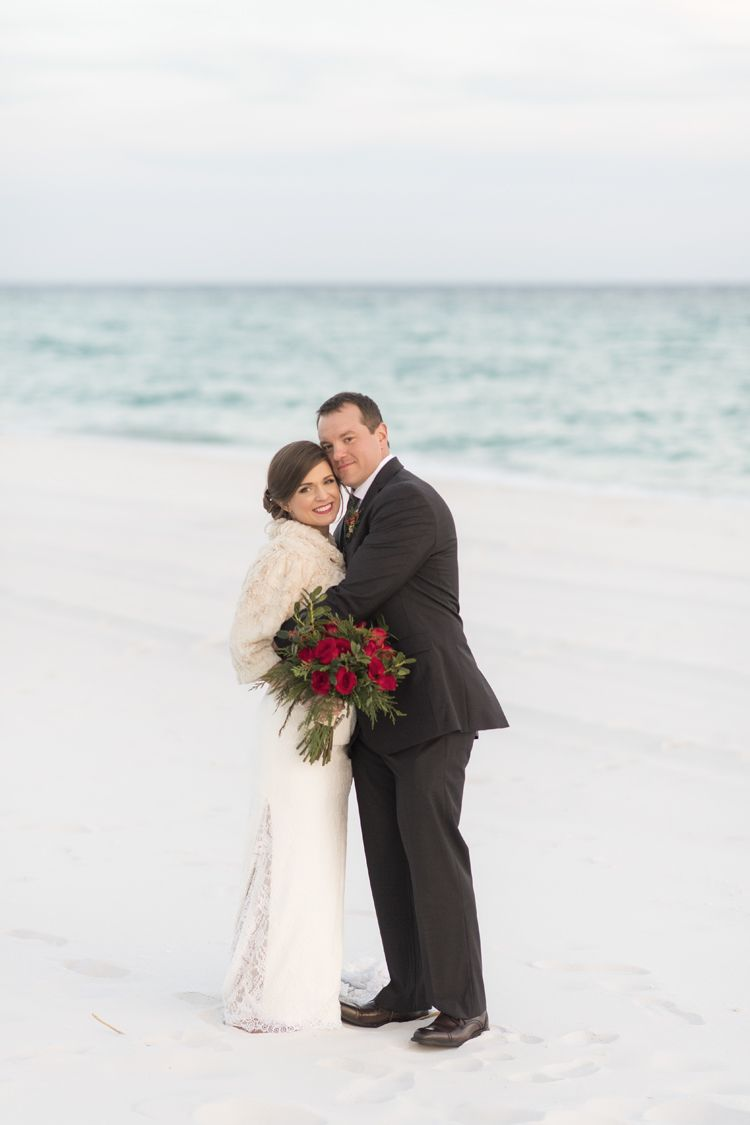 Red Green And White Elegant Holiday Winter Wedding By The Pool Overlooking Ocean At Portofino Island Resort In Pensacola Beach Florida Indoor: Winter Wedding Venues In Florida At Reisefeber.org