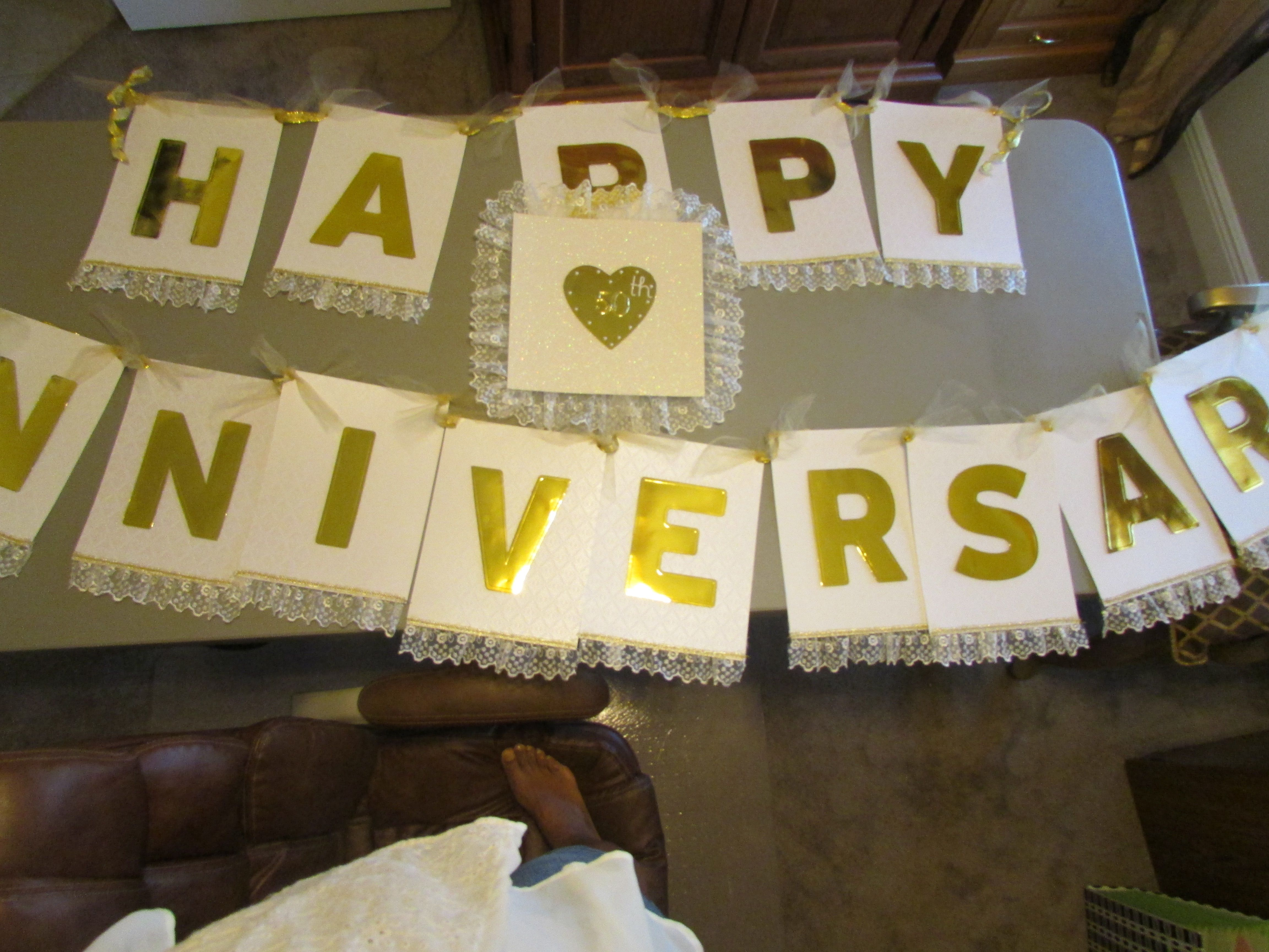 diy happy anniversary banner my parents 50th anniversary diy decor
