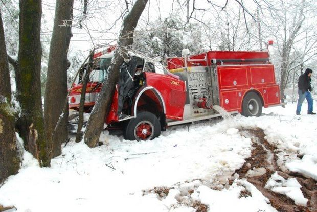 Photos Fire Truck Crashes Into Tree In Raritan Township Fire