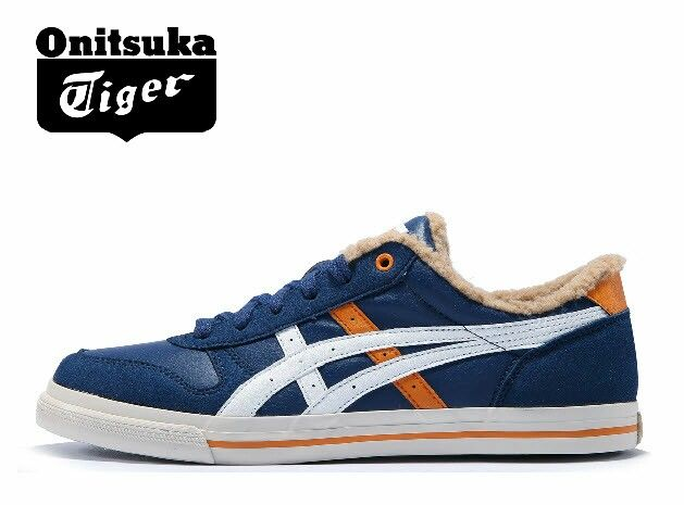 รองเท้า onitsuka tiger nike clothes
