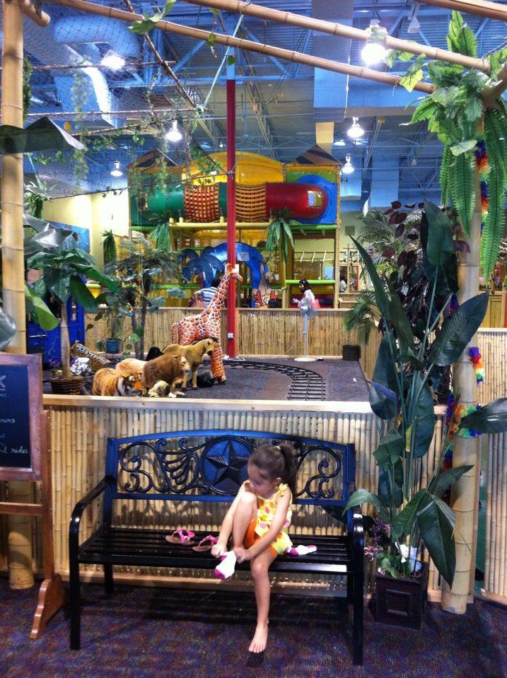 Indoor Safari Park Safari Park Vacations To Go Indoor Fun