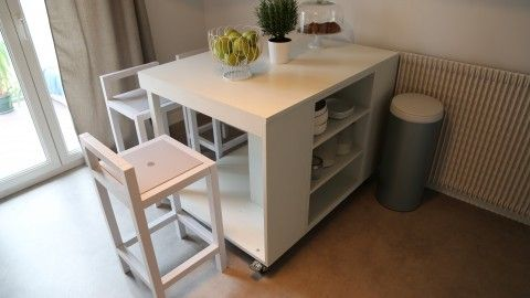Transformation D Une Table En Ilot Central De Cuisine Sur Roulettes L Atelier Deco France 2 Ilot Cuisine Ilots Central Cuisine Cuisine Appartement