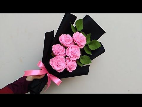 Wrapping rose felt bouquet | Cara membungkus buket bunga mawar flanel - YouTube