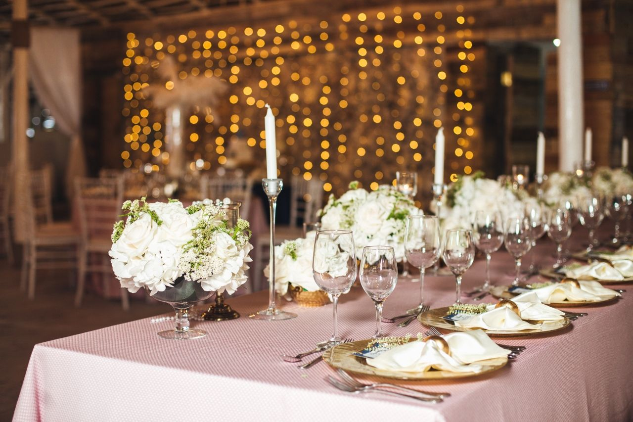 Gatsby Wedding Main Table Decorations On The Wedding In The